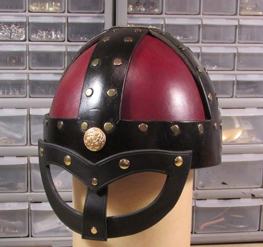 leather_helms_viking_helmet_with_ocular